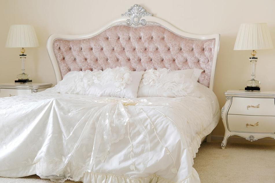 Die Liebe zu ihrer Bettdecke treibt eine Frau aus England vor den Traualtar. (Symbolbild)