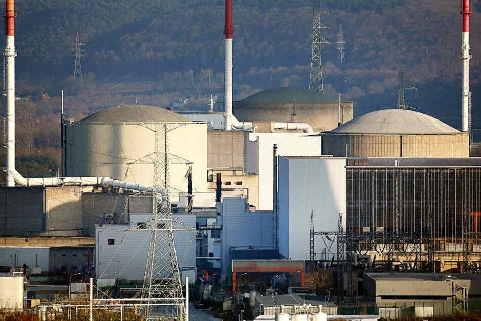 Das Atomkraftwerk in Belgien mit seinen Reaktoren ist in die Jahre gekommen.