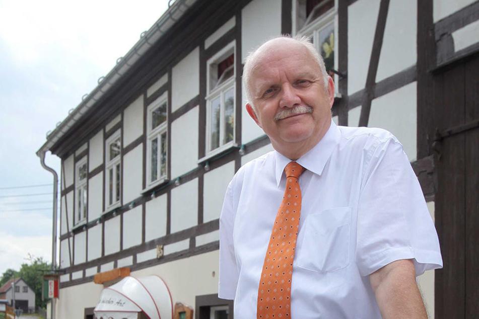 Bürgermeister Joachim Rudler (66) zeigt Verständnis, rief aber trotzdem zur Besonnenheit auf.