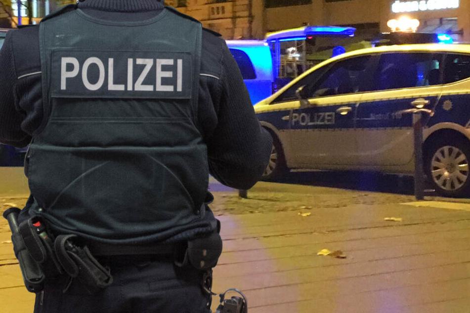 Eine Polizeistreife war schnell vor Ort und nahm den mutmaßlichen Täter fest (Symbolbild).