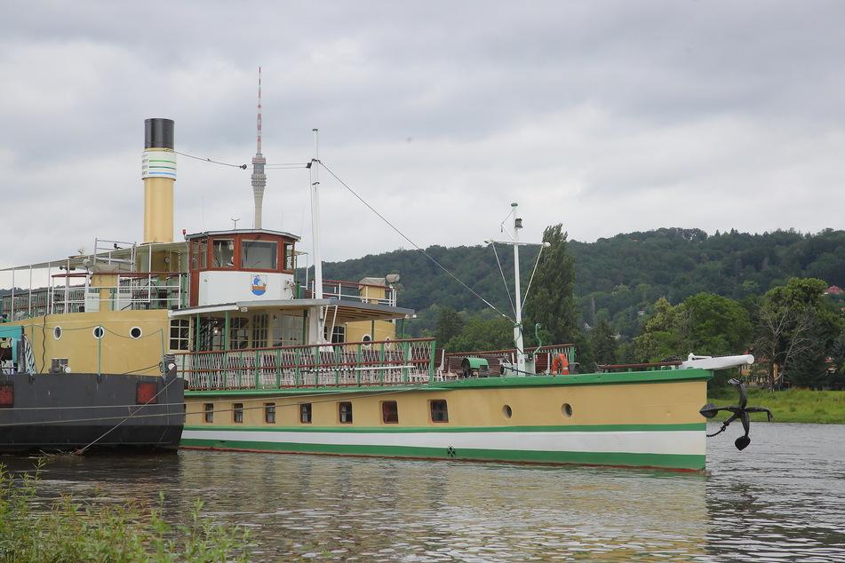 """Dampfer """"Stadt Wehlen"""" kommt heute zurück ans Terrassenufer."""