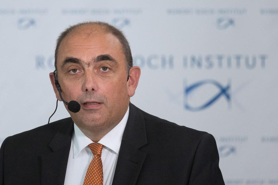 Kupferzell: Lars Schaade, Vizepräsident des Robert Koch-Instituts (RKI), nimmt an einer Pressekonferenz zur Vorstellung der Ergebnisse einer RKI-Studie teil.