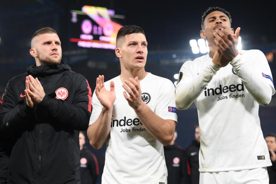 Während der zu West Ham United abgewanderte Sébastien Haller (Re.) erfolgreich ist, fristen Ante Rebic (Li.) und Luka Jovic eher ein trauriges Dasein bei ihren neuen Klubs.