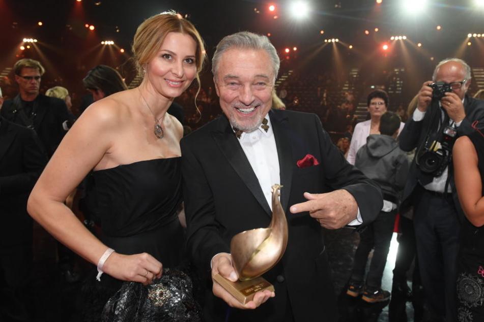 Karel Gott 2017 bei der Verleihung der Goldenen Henne in Leipzig mit seiner Frau Ivana (42).