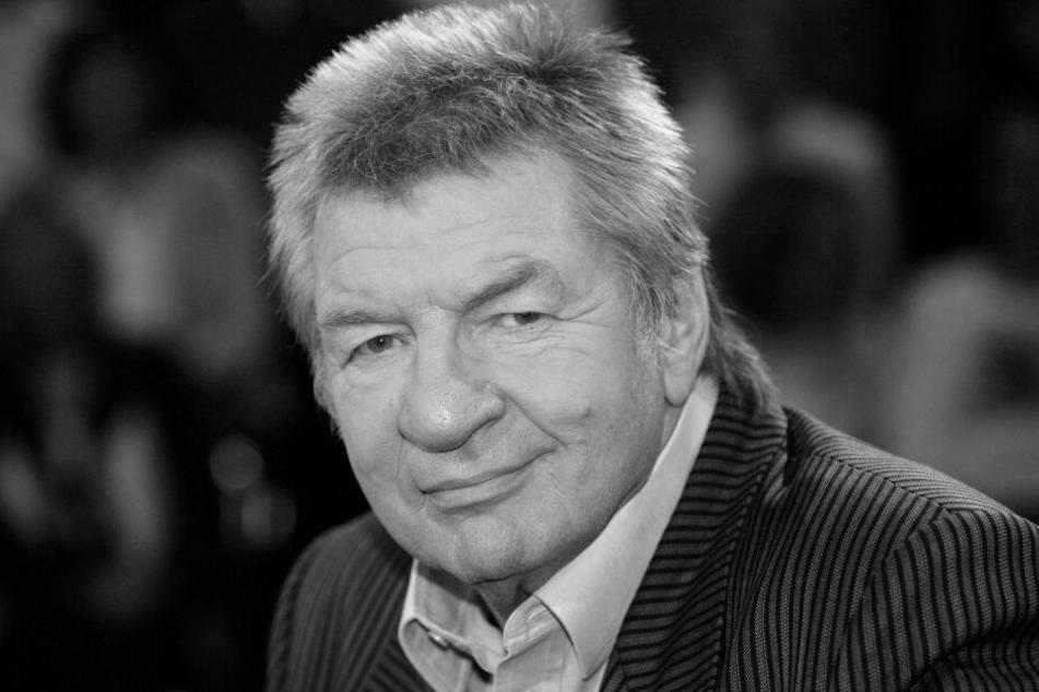 Schneyder wurde 82 Jahre alt.