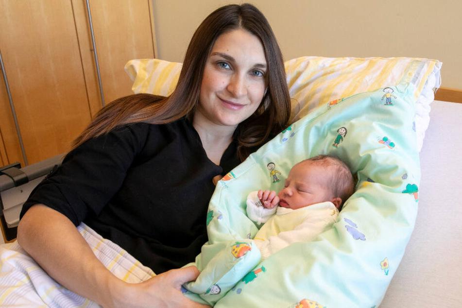 Baby Elisabeth kam 50 Minuten nach Mitternacht zur Welt.