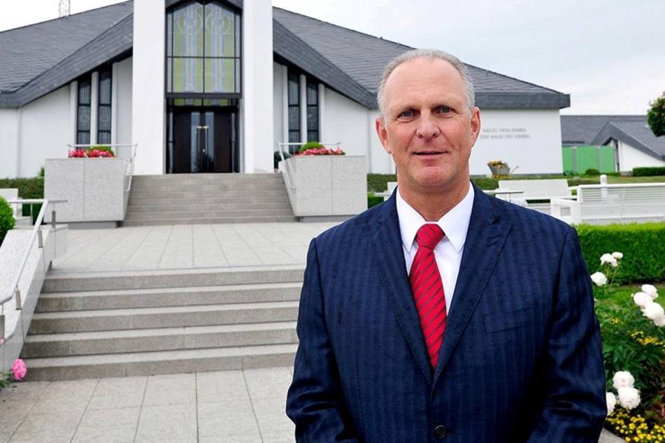 Verwaltungsleiter Peter Schönherr (55) sieht die Öffnung als Chance zur  Präsentation.