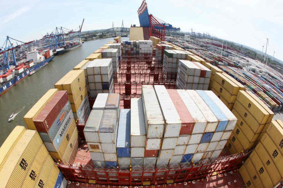 Rund 270 solcher Container gingen in der Nordsee über Bord.