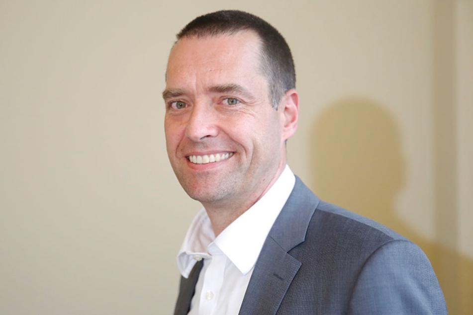 Dirk Röhrborn (43) bemängelt, dass es in Sachsen noch keinen verpflichtenden Informatik-Unterricht gibt.
