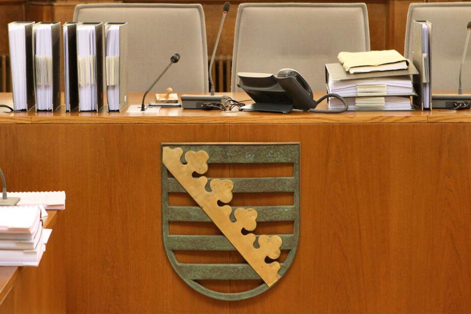 Wegen 1060-fachen Computerbetrugs ist ein Tunesier (37) vom Landgericht Leipzig schuldig gesprochen worden und muss für 4,5 Jahre ins Gefängnis. (Archivbild)