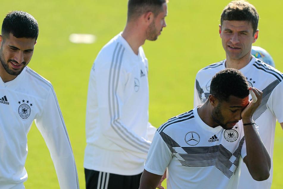 Thomas Müller (r.) hat auch im DFB-Team zurzeit eine schwache Phase.