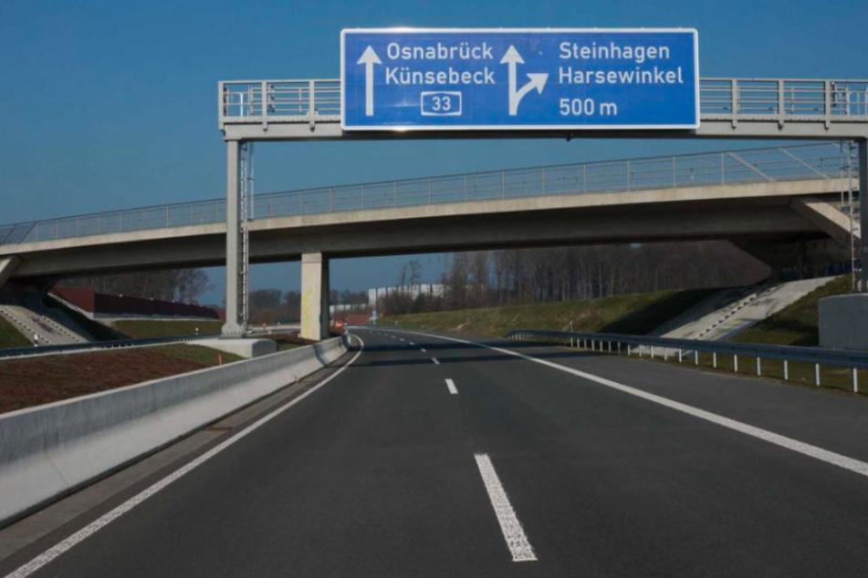 Vor der Eröffnung am Mittwoch (4. April) wird der neue A33-Abschnitt für Fußgänger freigegeben.
