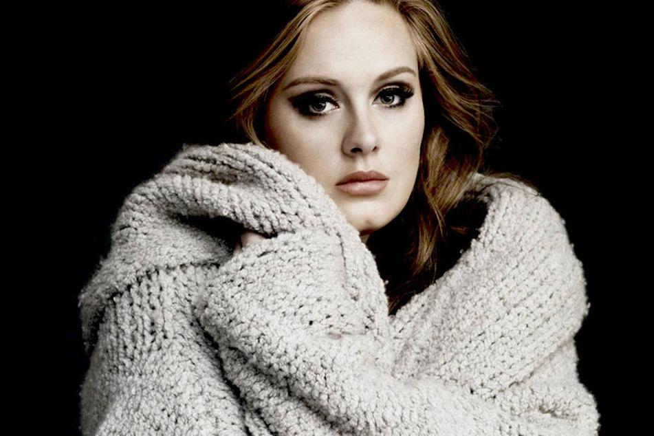 Sängerin Adele (28) soll zum zweiten Mal Mutter werden. Das plauderte ein Insider aus...Doch auch sie selbst gibt ein paar Indizien zum Besten...