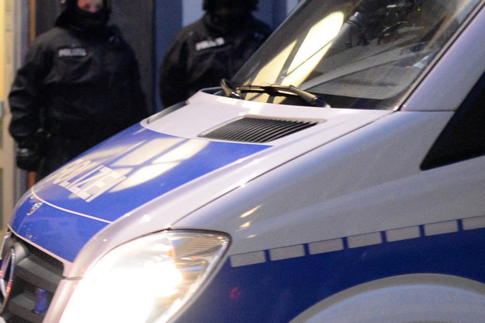 Eine Explosion Hamburg sorgt für einen Großeinsatz der Polizei in Hamburg (Symbolbild).