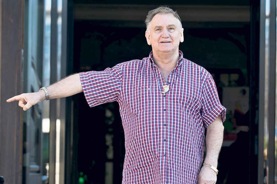 Circus-Direktor Mario Müller Milano (67) freut sich auf sein neues Superzelt,  das er zum 22. Dresdner Weihnachts-Circus aufbauen wird.