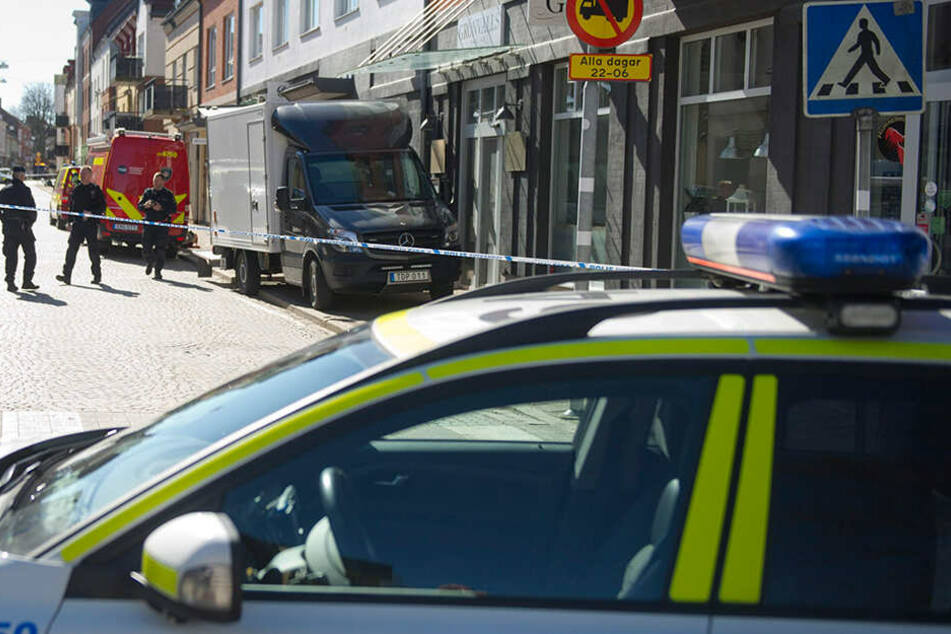 Schüsse in der City: Frau von maskiertem Schützen getötet