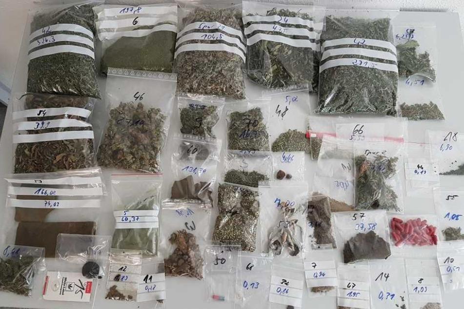 Die Polizei stellte Marihuana, Haschisch, Crystal, Ecstasy und Pilze sicher.