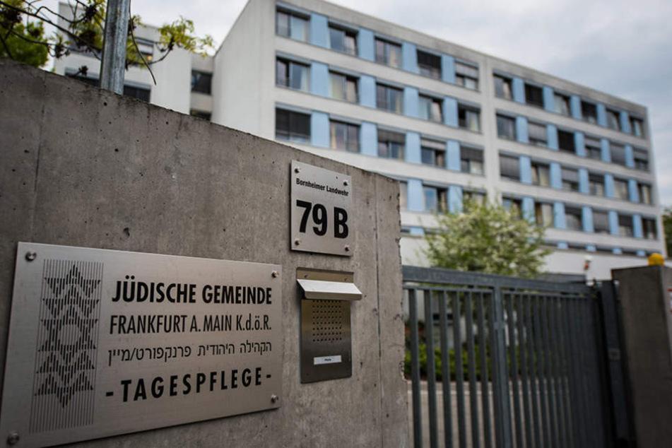 Frau stirbt bei Feuer in jüdischem Altersheim in Frankfurt