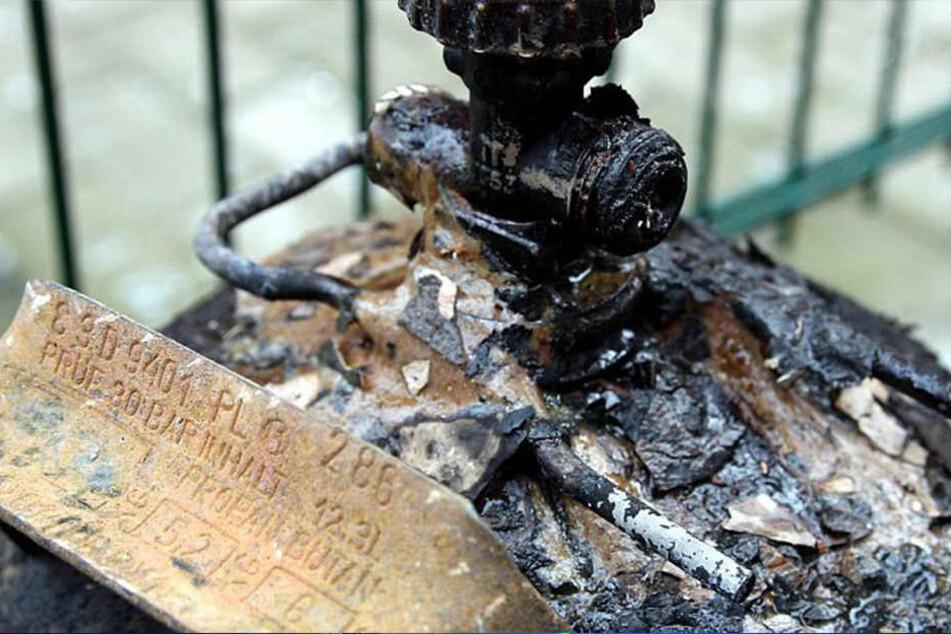 Hoch gefährlich: Der Schlauch einer Gasflasche ging in Flammen auf. Das Feuer frass sich bis ins Schlafzimmer eines Senioren.