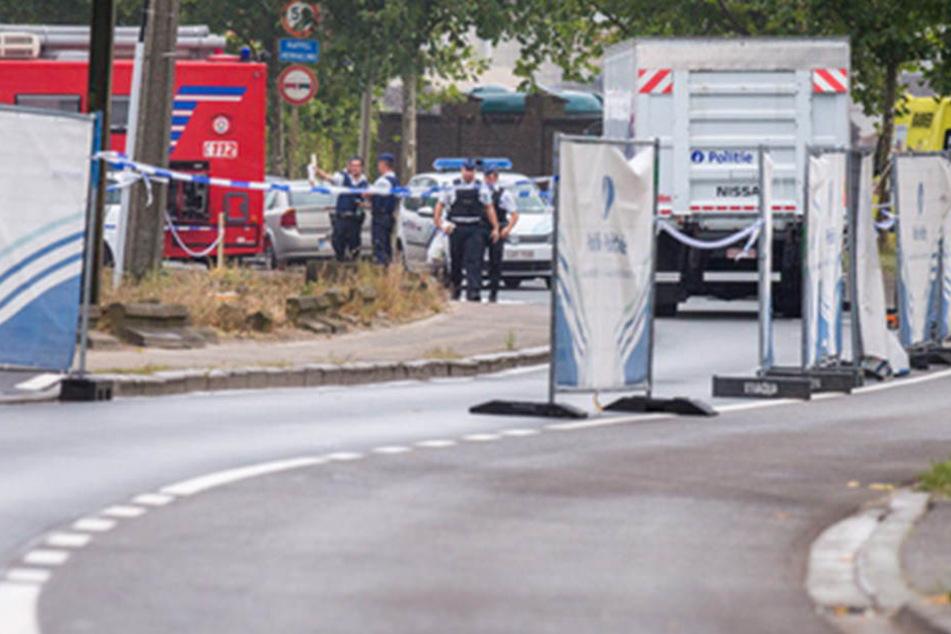 In der Nacht zum Montag gab es vor dem Brüsseler Polizeipräsidium eine gewaltige Explosion.