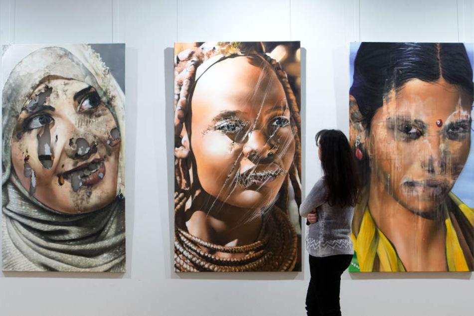 Drei Kunstwerke von Tasso alias Jens Müller (51) sind vom 4. Februar bis 8. April in der Galerie am Domhof zu sehen.