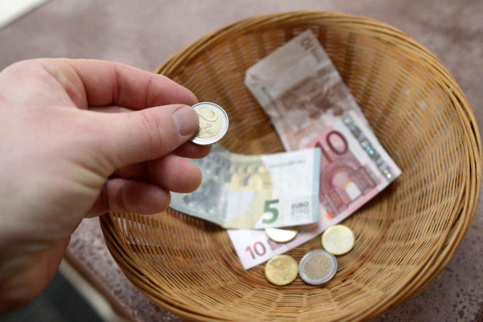Münzen sind natürlich auch Geld. Doch als Spenden stellen sie viele Vereine vor ein Problem.