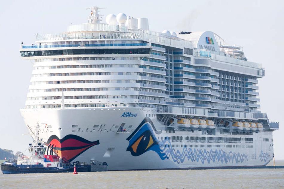 Die AIDAnova steht vor ihrer ersten großen Fahrt.