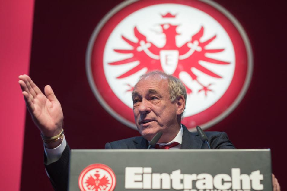 Eintracht-Präsident Peter Fischer erntete für seine Einstellung gegen die AfD großes Lob vom hessischen Landtag.