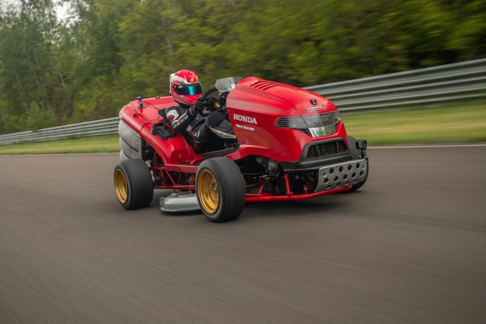 Auf dem Lausitzring erreichte der Honda-Mäher über 240 Sachen.