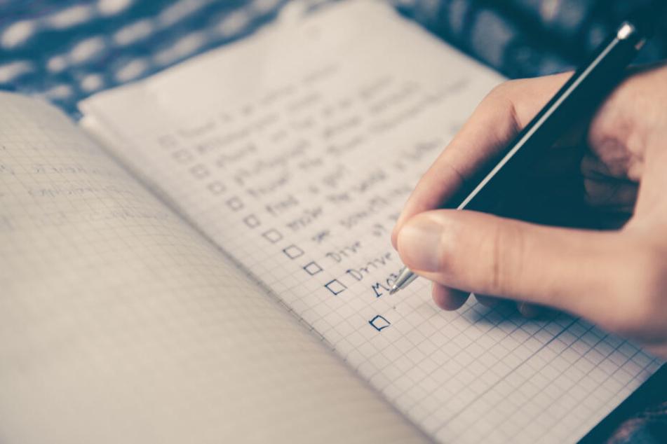 Vorsätze fürs neue Jahr immer aufschreiben, denn so erhöht man die Chance, dass sie auch eingehalten werden.