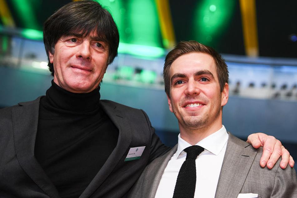 Ex-DFB-Kapitän Philipp Lahm (r.) fordert von Bundestrainer Joachim Löw (