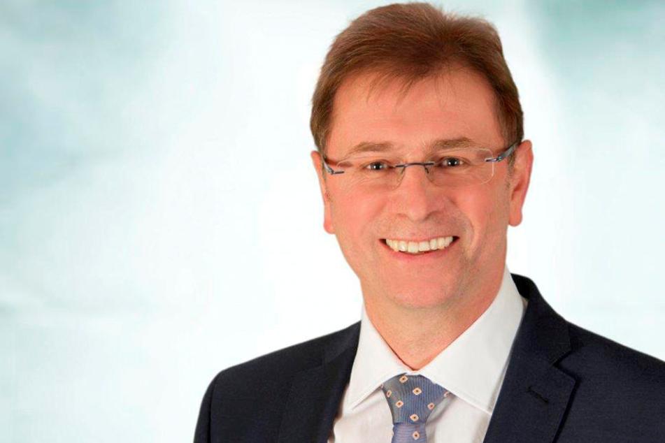 Oberbürgermeister André Raphael (55) will den Verkehr in Crimmitschau (hier: Mannichswalder Platz) kontrollieren.
