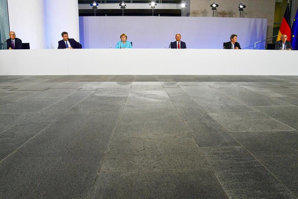 Haben das Konjunkturpaket verhandelt: Ralph Brinkhaus, Vorsitzender der CDU/CSU-Bundestagsfraktion, Markus Söder (CSU), Ministerpräsident von Bayern, Bundeskanzlerin Angela Merkel (CDU), Bundesfinanzminister Olaf Scholz (SPD), Rolf Mützenich, Vorsitzender der SPD-Bundestagsfraktion, und Norbert Walter-Borjans, Bundesvorsitzender der SPD.