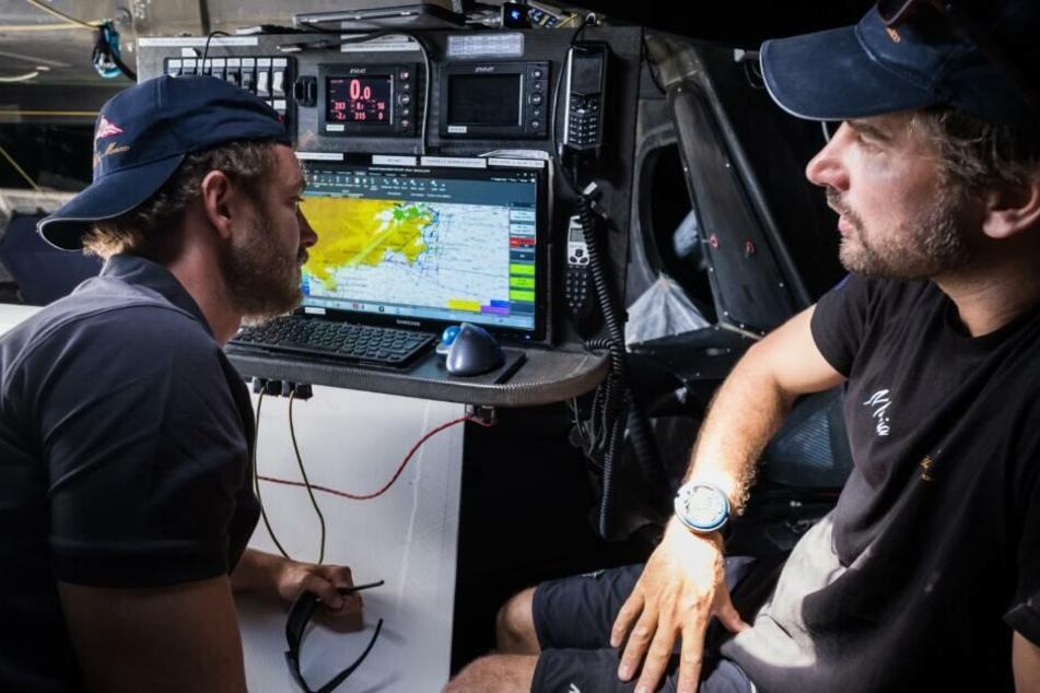Begleitet wird sie von den beiden Seglern Pierre Casiraghi (links) und Boris Herrmann.