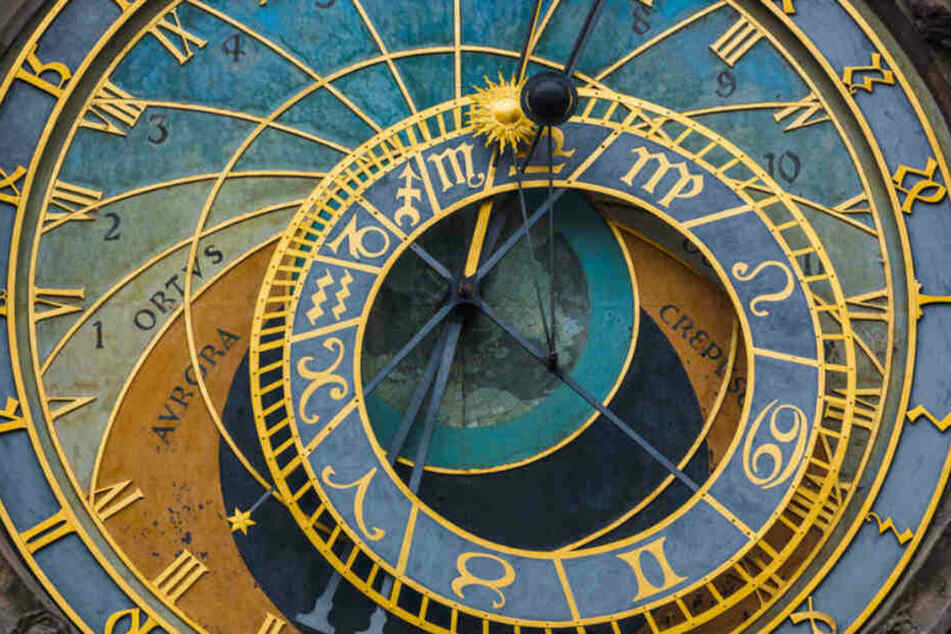 Eine astronomische Uhr ist zugleich auch eine Skizze der Himmelskonstellation.