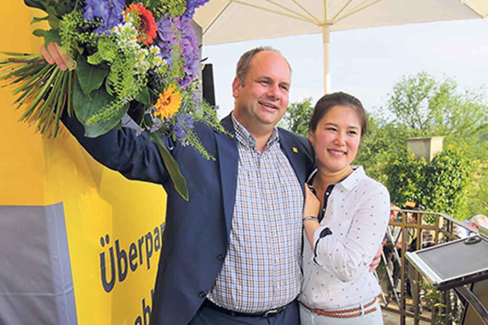 Mit Ehefrau Su Yeon (38) feierte der OB 2015 auf Schloss Eckberg seinen Wahlsieg.