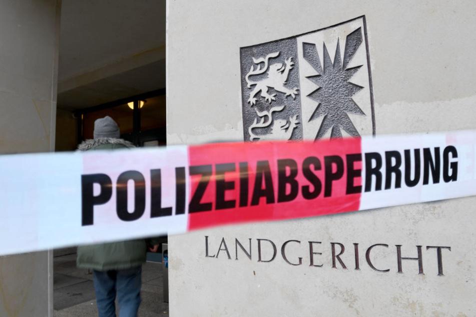 Das Landgericht Kiel musste wegen einer Bombendrohung evakuiert werden.
