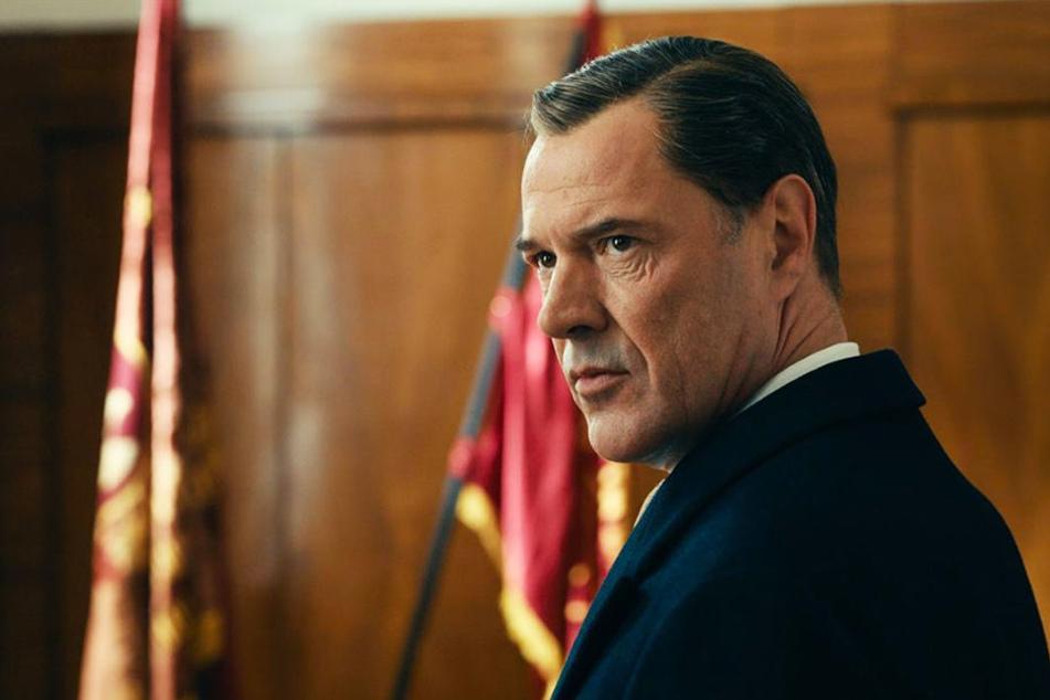 Sebastian Koch als Carl Seeband/Heinrich Eufinger. Oben eine Abbildung des wahren Eufinger.