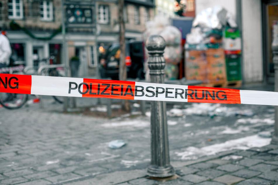 Mordkommission ermittelt: Mann bei Gruppenstreit in Düsseldorf niedergestochen