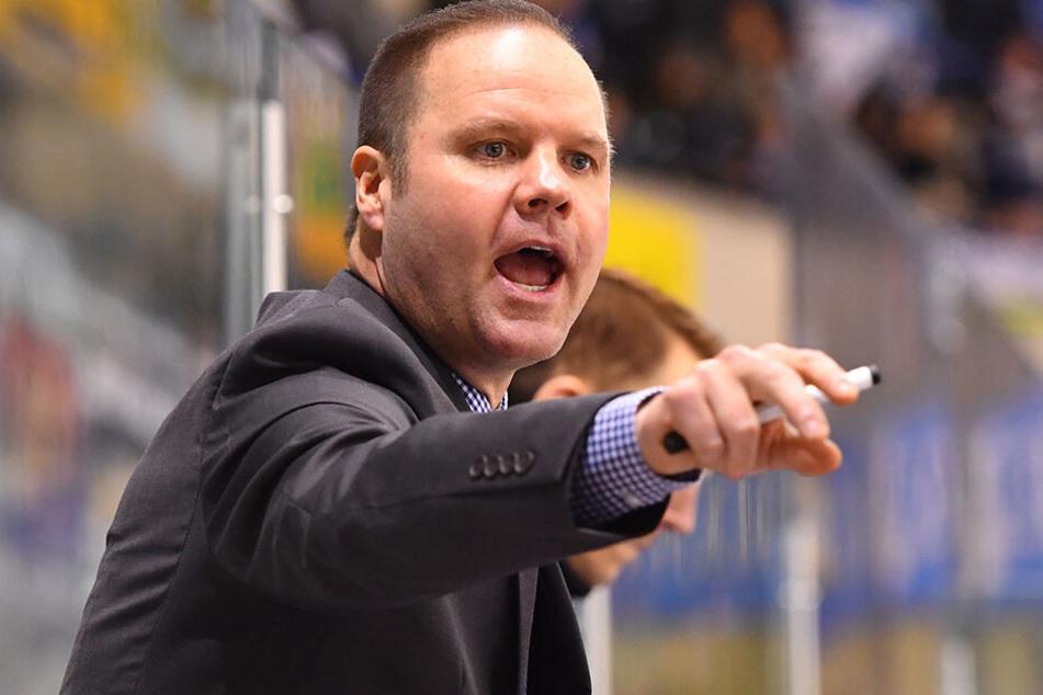 Eislöwen-Coach Bradley Gratton konnte sich über einen Sieg in Freiburg freuen.