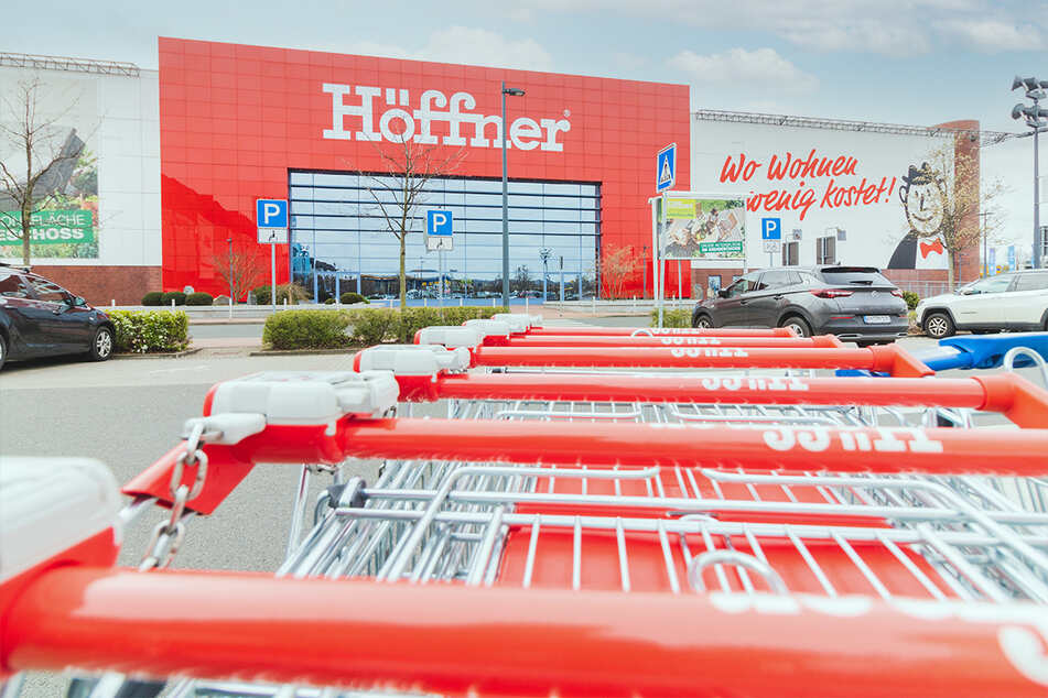 Deutsche Möbelkette verkauft am Samstag (15.5.) Küchen super günstig