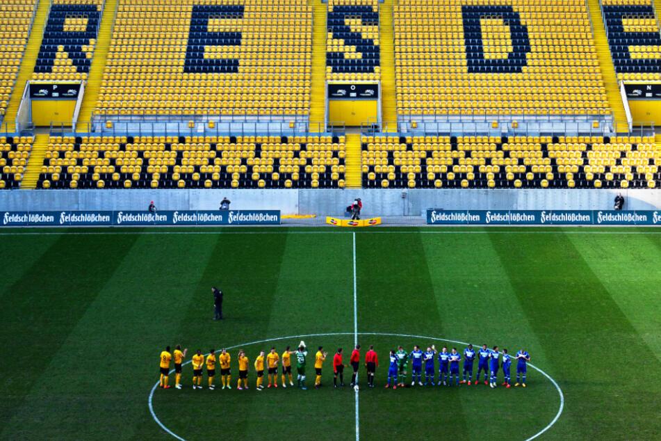 So sah es am 7. Februar 2015 aus, als Dynamo in der 3. Liga daheim auf Rot-Weiß Erfurt traf. Das Traditionsderby fand ohne Zuschauer statt, weil einige Rowdys zuvor in Rostock randaliert hatten.