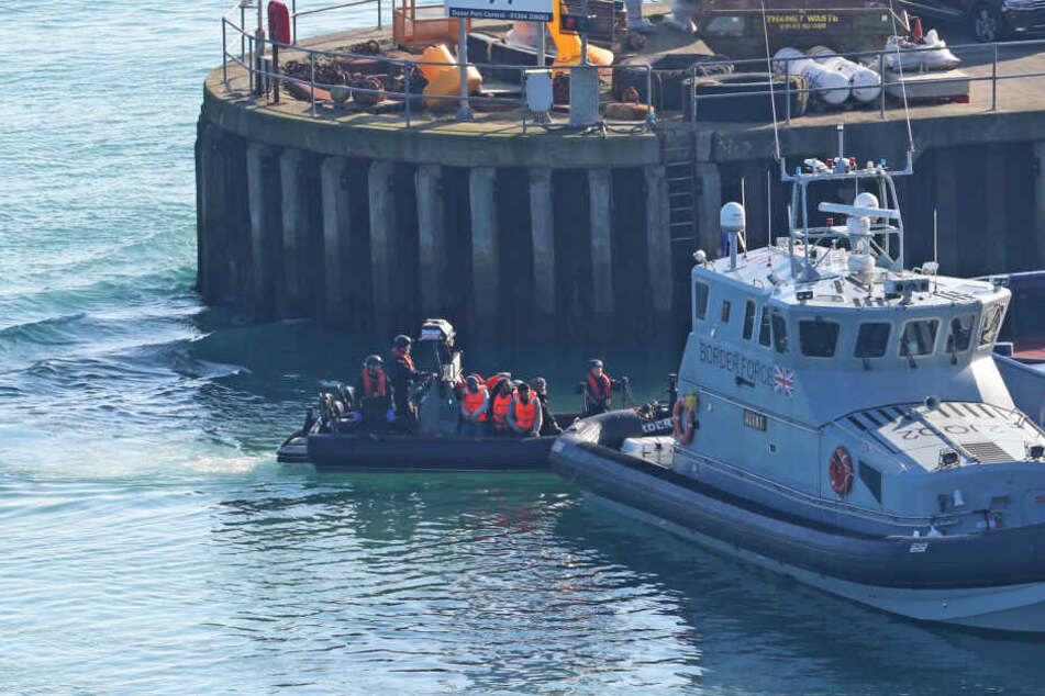 Rekordzahl an Migranten im Ärmelkanal aufgegriffen
