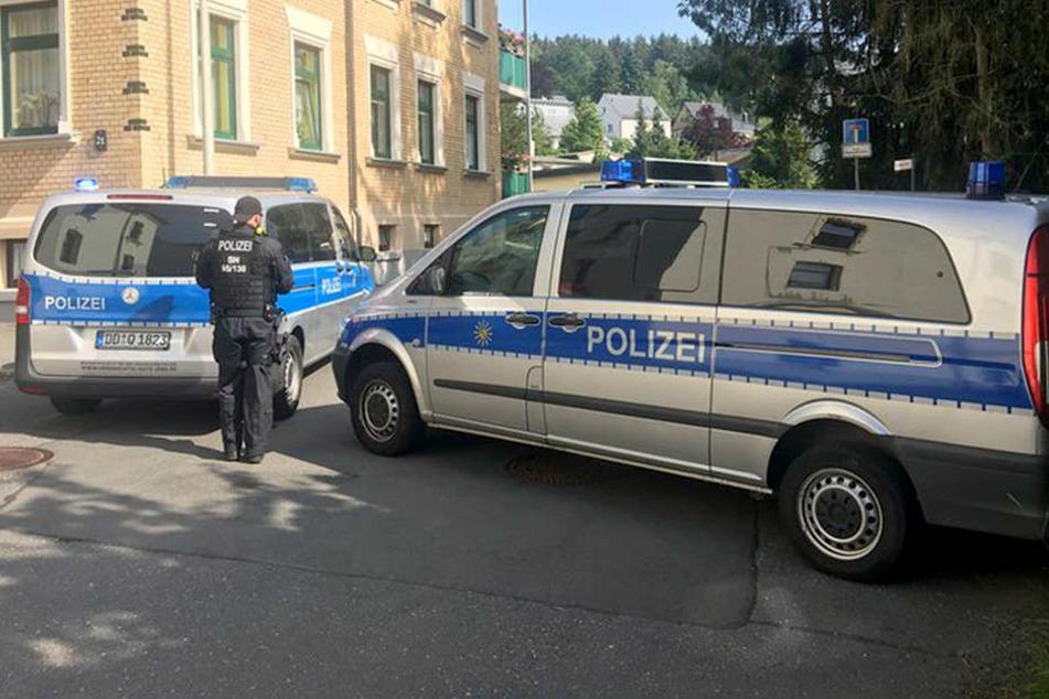 Die Polizei ist in Plauen vor Ort, die Evakuierung wird vorbereitet.