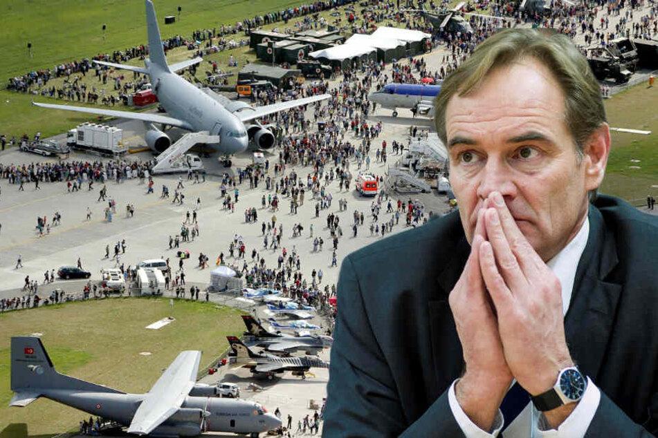 Auch wenn er es nicht will, muss Leipzigs OB Burkhard Jung (60, SPD) nun eine Bewerbung um die Luft- und Raumfahrtausstellung ILA prüfen. (Bildmontage)