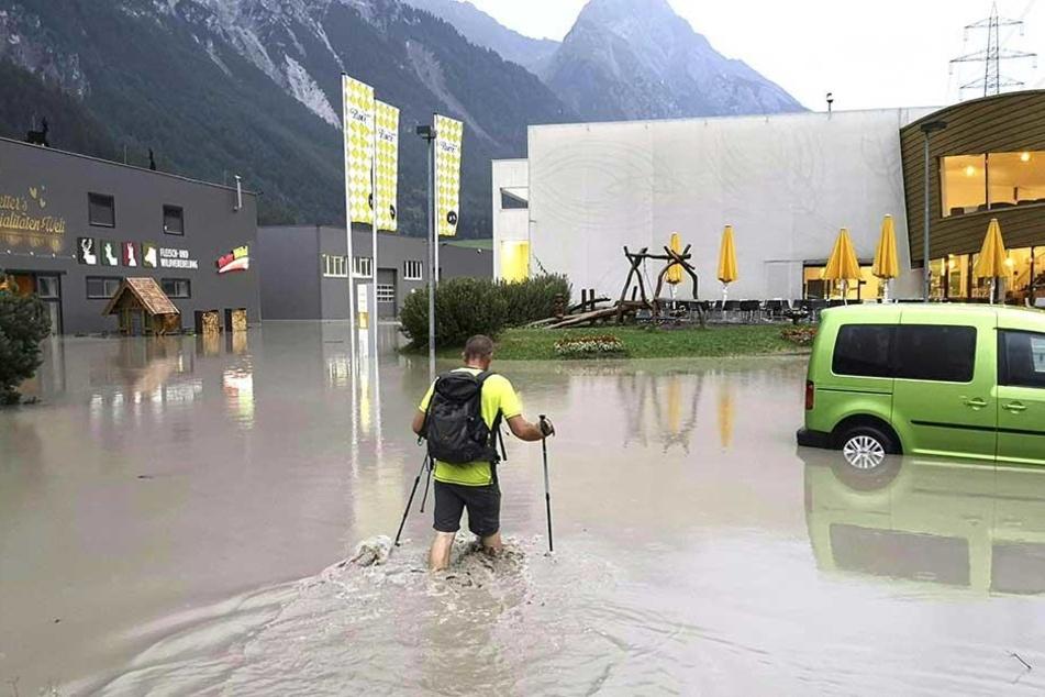 In Schnann in Tirol sorgten Unwetter für schwere Überschwemmungen.