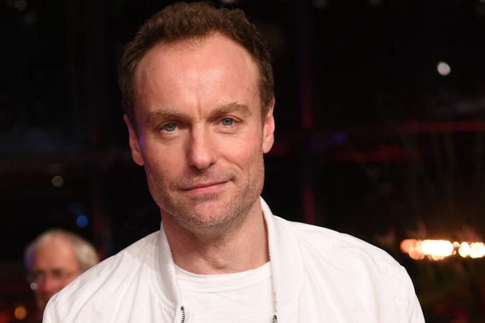 Unter anderem bekannt aus dem Berlin-Tatort: Mark Waschke tritt live in der Schaubühne auf.