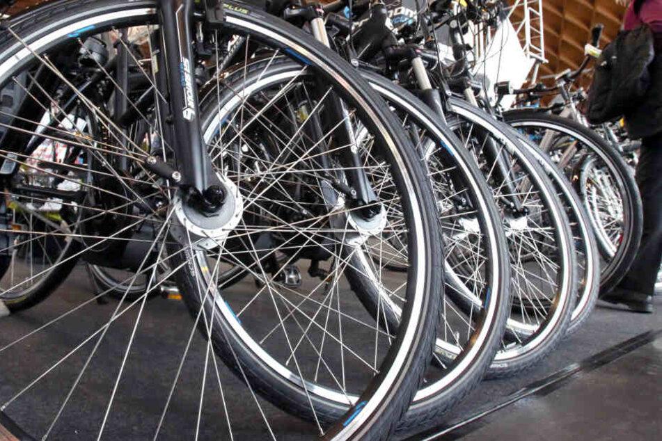 Die Diebesbande soll E-Bikes in Köln geklaut haben. (Symbolbild)
