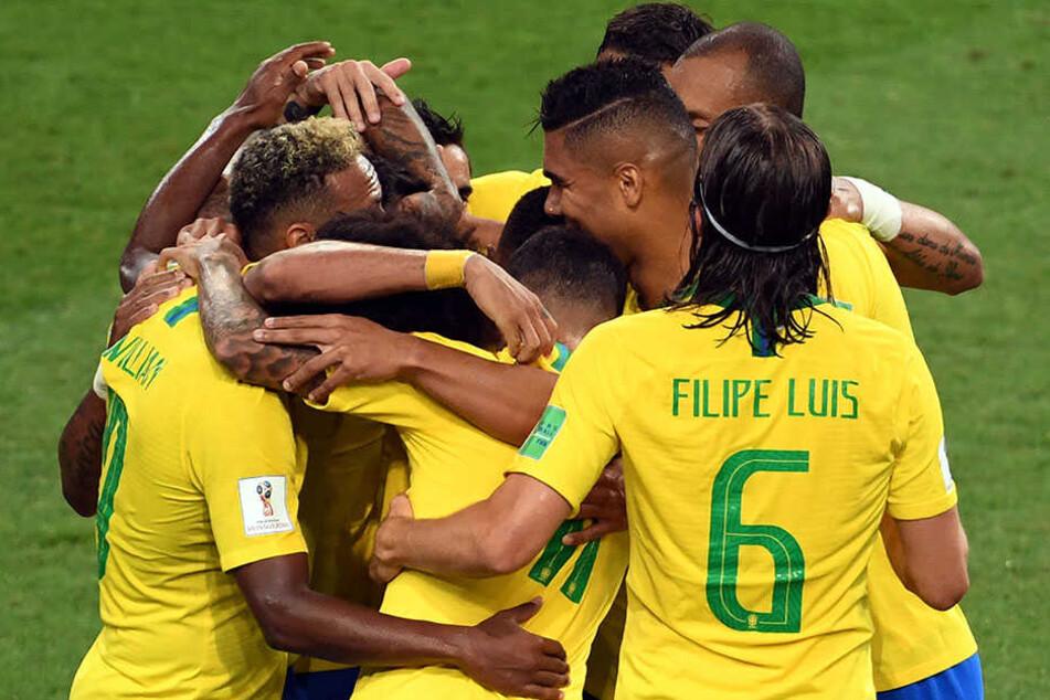 Brasilien bezwingt Serbien und steht neben der Schweiz im WM-Achtelfinale