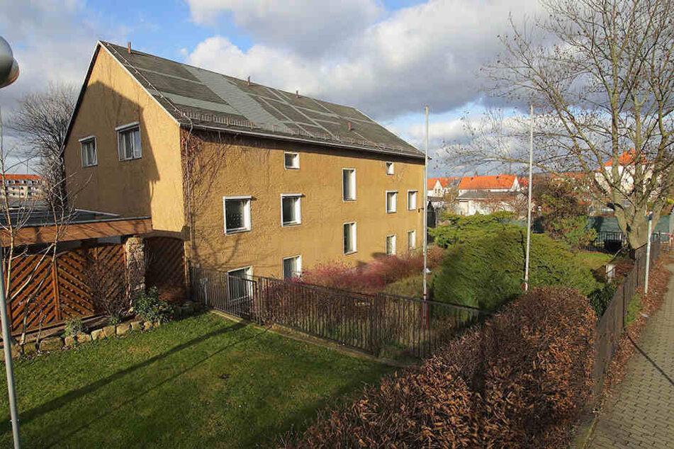 Mal andersrum: Dieses Haus an der Tornaer Straße soll neuen Kleingärten weichen.